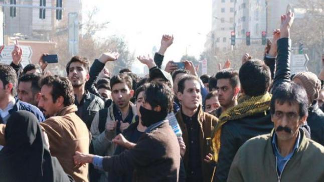 مدن إيران تشتعل رغم قمع المتظاهرين