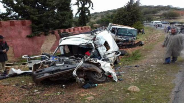 مصرع شخص وإصابة آخرين إثر حادثة سير خطيرة