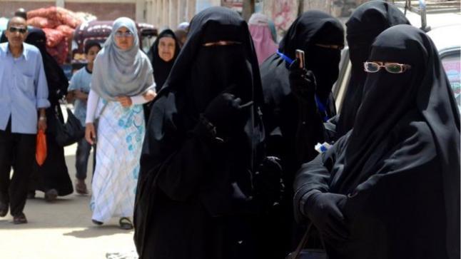 تونس مصرة على حظر النقاب