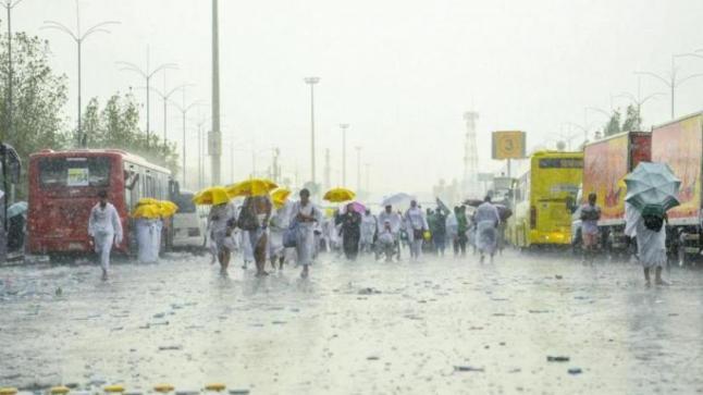 أمطار غزيرة على عرفات وسط دعوات الحجاج