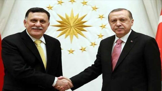 أردوغان يجتمع مع السراج في اسطنبول ويجدد دعمه لحكومة الوفاق