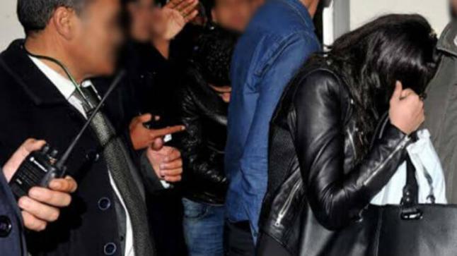 تفاصيل اعتقال ممثلة مغربية مشهورة رفقة مخرج سينمائي بتهمة الخيانة الزوجية