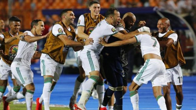 شاهد..مساعد مدرب الجزائر هو من منح التأهل لنهائي الكان