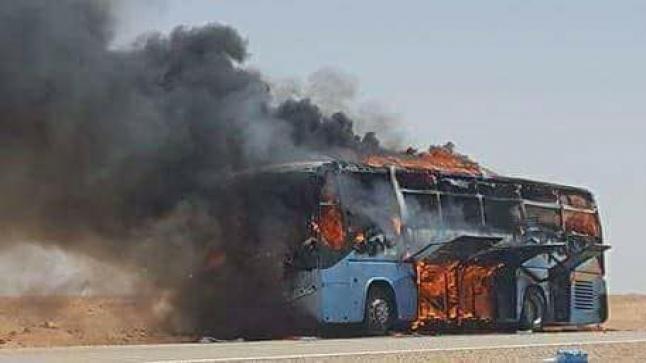 بالفيديو..إحتراق حافلة لنقل المسافرين  بين أكادير ومراكش