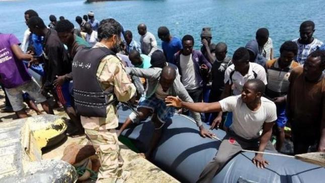 فقدان 116 مهاجرا وإنقاذ 132 بعد غرق قارب قبالة سواحل ليبيا