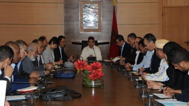 وزارة أمزازي تعلق الحوار مع النقابات التعليمية