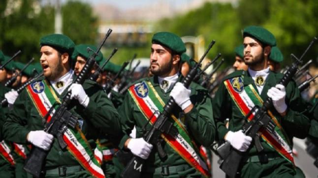 """الجيش الإيراني يهدد أمريكا بـ""""سلاح سري"""""""