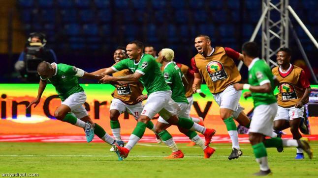 مدغشقر تكتب التاريخ وتتأهل إلى ربع نهائي كأس إفريقيا