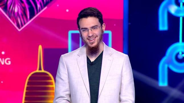 """المخترع المغربي يوسف العزوزي يفوز بصدارة مسابقة """"نجوم العلوم"""" بقطر"""
