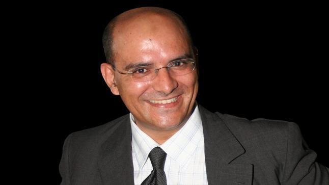 حسن أوريد يكتب : قصة علمين