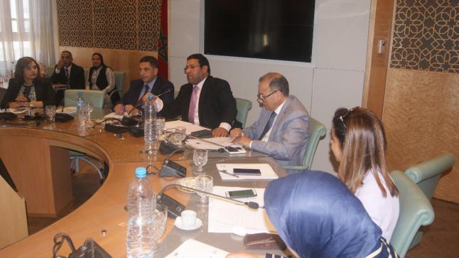 الوزير أمزازي في اجتماع الفريق النيابي للبام.