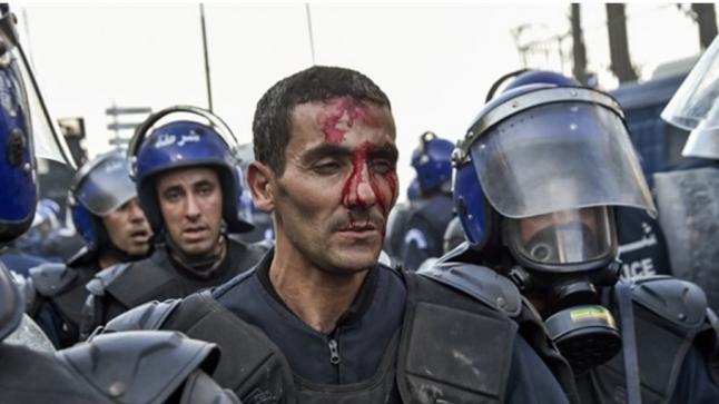 الجزائر..انتشار كثيف للشرطة واعتقالات قبل تظاهرة اليوم الجمعة