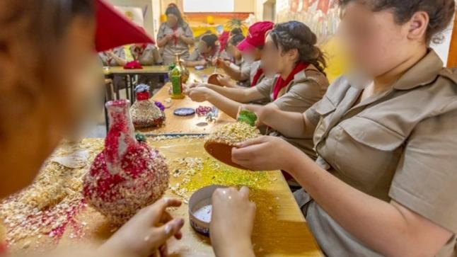 """النزلاء الأحداث بسجن خريبكة يحتفلون بـ""""اليوم الشعبي""""(صور)"""