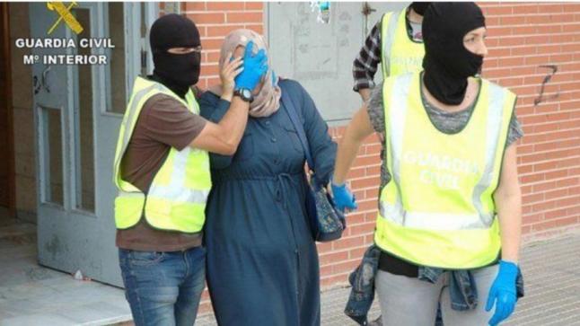 إسبانيا : إعتقال مغربية مطلوبة من السلطات المغربية بتهمة النصب والاحتيال