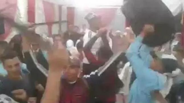 إعتقال شخص ظهر يرقص بسيف في حفل زفاف بالقنيطرة