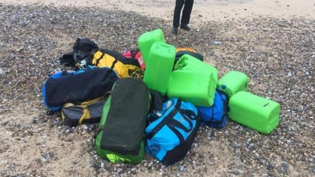 العثور على حقائب مليئة بالأموال بشاطئ أكادير