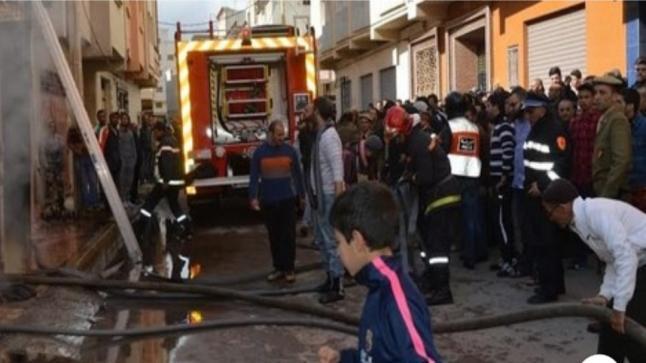 حريق يلتهم 22 براكة و5 محلات تجارية و6 عربات بجرادة