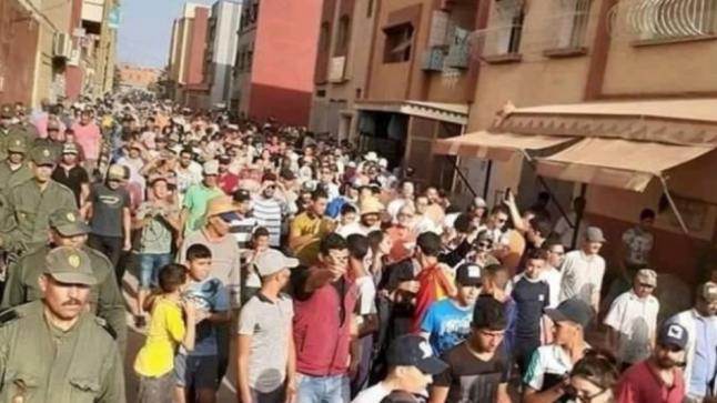 """ساكنة سيدي علال البحراوي تخرج في مسيرة حاشدة للمطالبة بحق الشهيدة """" هبة"""""""