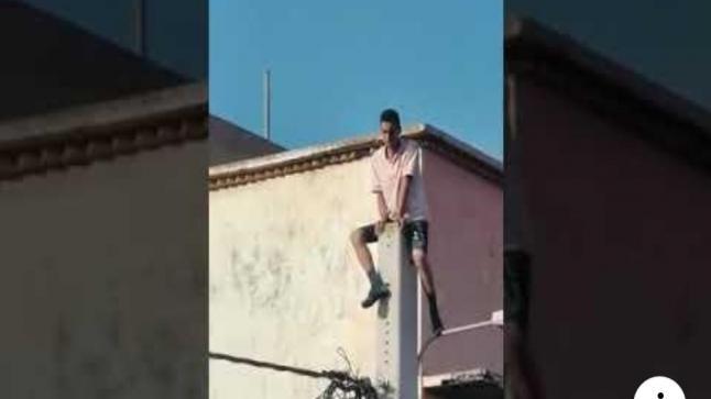 بالفيديو…شاهد عملية إنقاد شاب مغربي حاول الإنتحار
