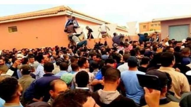الآلاف من الشباب يحتشدون وسط أولاد تايمة للتسجيل في لوائح السفر للعمل في فرنسا