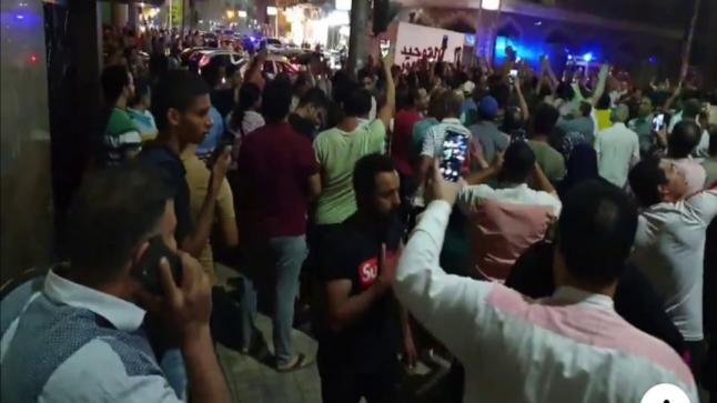 المتظاهرون المصريون في محيط ميدان التحرير يطالبون برحيل السيسي(فيديو)