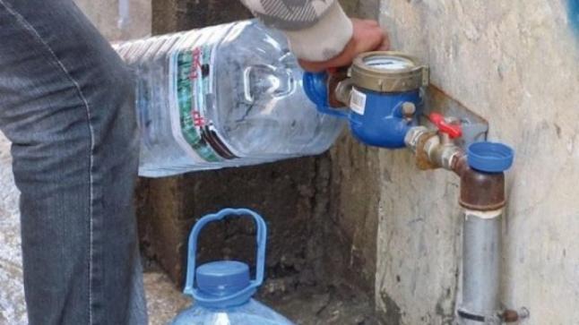 غضب ساكنة تيزنيت جراء انقطاع المياه