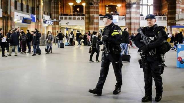 """السلطات الهولندية تسلم المغرب """"جمركيا"""" اختلس أكثر من مليار ونصف"""