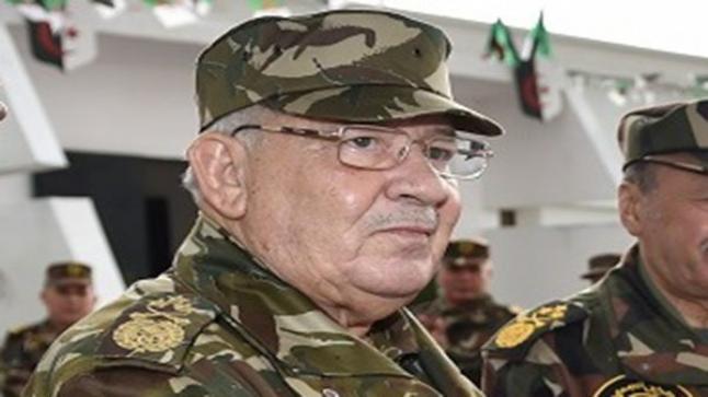 الجيش الجزائري متحديا المتظاهرين ..الانتخابات الرئاسية ستجرى في موعدها ولا رجعة عنها