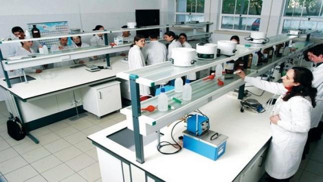 أمزازي.. الباحثون المغاربة يسجلون سنويا حوالي 100 براءة اختراع
