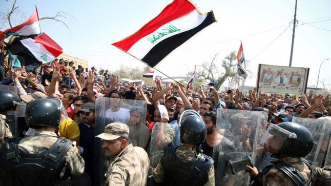 خلافات بين الجيش والأمن بالعراق حول التعامل مع المتظاهرين..