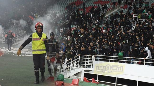 الاتحاد العربي لكرة القدم يفرض عقوبات قاسية على الرجاء بسبب الجمهور