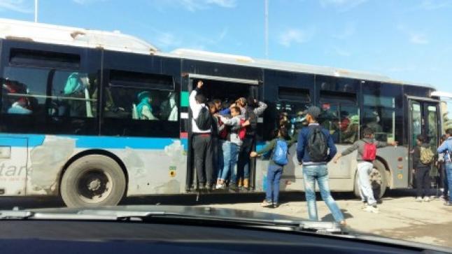 """""""جانحون"""" يعرضون ركاب حافلة بالبيضاء للخطر بعد خلاف مع السائق"""